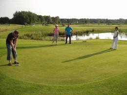 Trabant toertocht en Pitch & Put golf