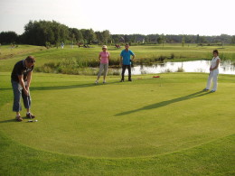 Trabant toertocht en Pitch & Put golf